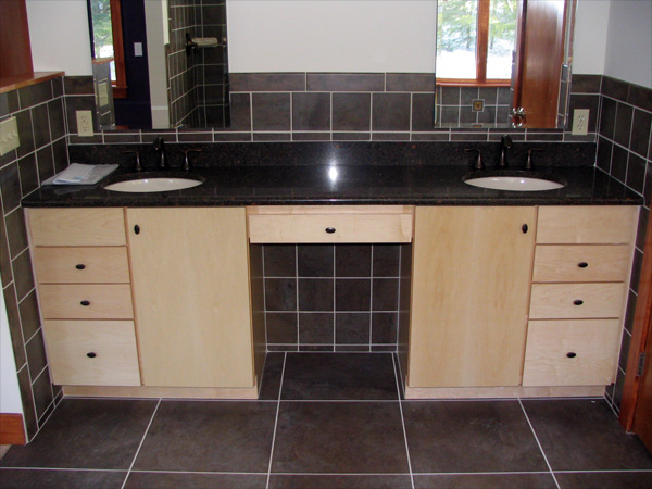 Valley cabinet center kitchens gallery - Mid continent cabinets ...
